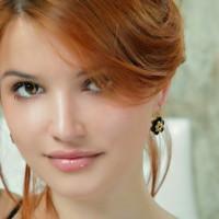 beautiful-Indian-Girl-In-Gold